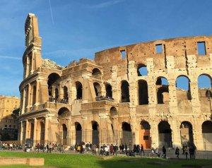 Colisee-Vue-exterieure-rome